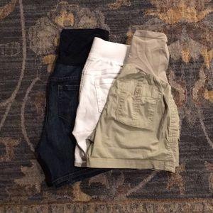 Pants - Maternity shorts sz S
